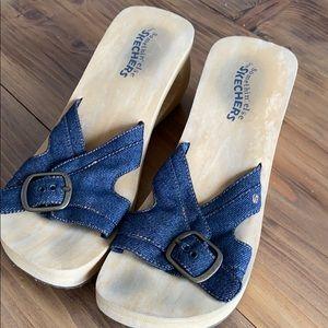 Sketchers buckle sandals